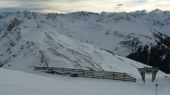 genialne widoki na alpejskie szczyty z wierzchołka Schattberga West