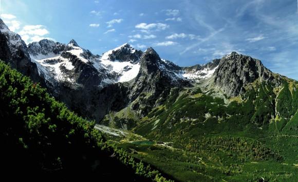 Dolina Kieżmarska i Jastrzębia Turnia z przodu