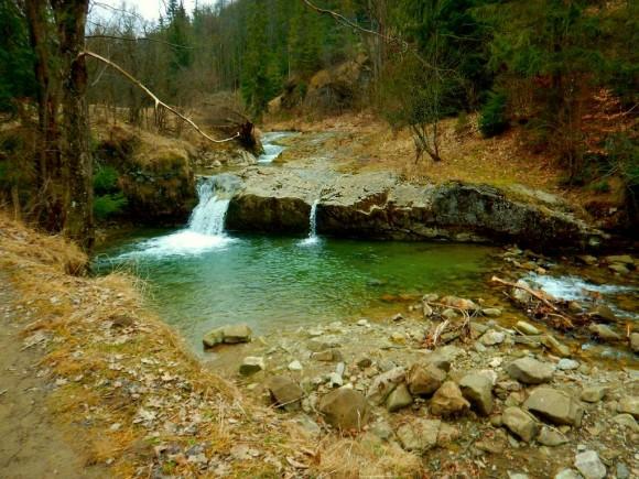 największa kaskada w dolinie na potoku Biała Woda