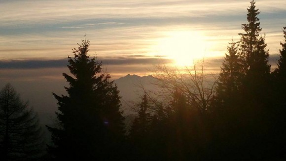 Tatry o zachodzie słońca z Przehyby