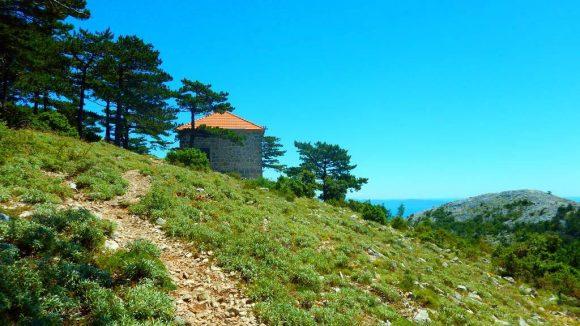 kolejne rozwidlenie szlaków tuż pod szczytem góry św.Eliasza