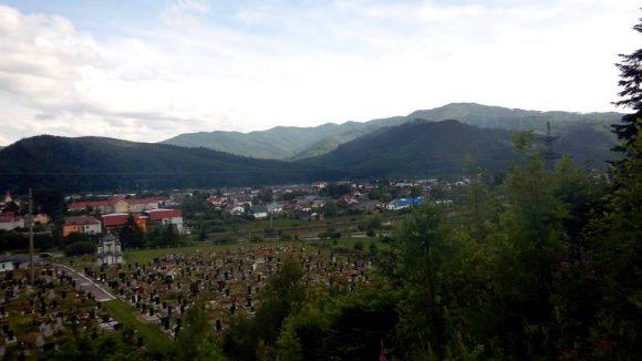 widok na Skole i okoliczne góry
