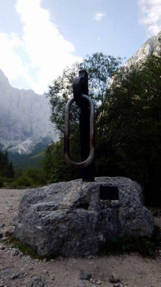 pomnik poległym powstańcom - górnikom w dolinie Vrata