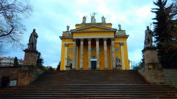 neoklasycystyczna bazylika z lat 1831–1836, druga co do wielkości na Węgrzech