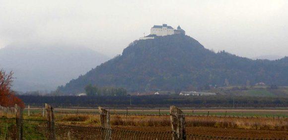 zamek Fuzer w pochmurną pogodę