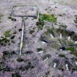 Spacer ze Pstrążnego na wzgórze Piwane, czyli w poszukiwaniu zegara słonecznego i innych reliktów przeszłości
