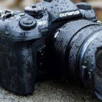 Aparaty fotograficzne dla podróżników – na co zwracać uwagę wybierając odpowiedni model